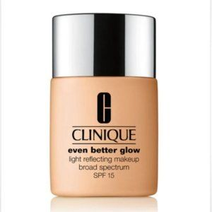 Clinique Even Better Glow Foundation with SPF 15